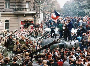 troops-Czechs-Soviet-Prague-forces-Czech
