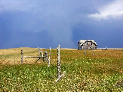 montana_oldhouse_storm.jpg