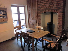 No 53 self catering holidays short breaks Shrewsbury centre sleeps 5