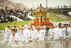 Nezugaseki's Mikoshi's baptism ritual