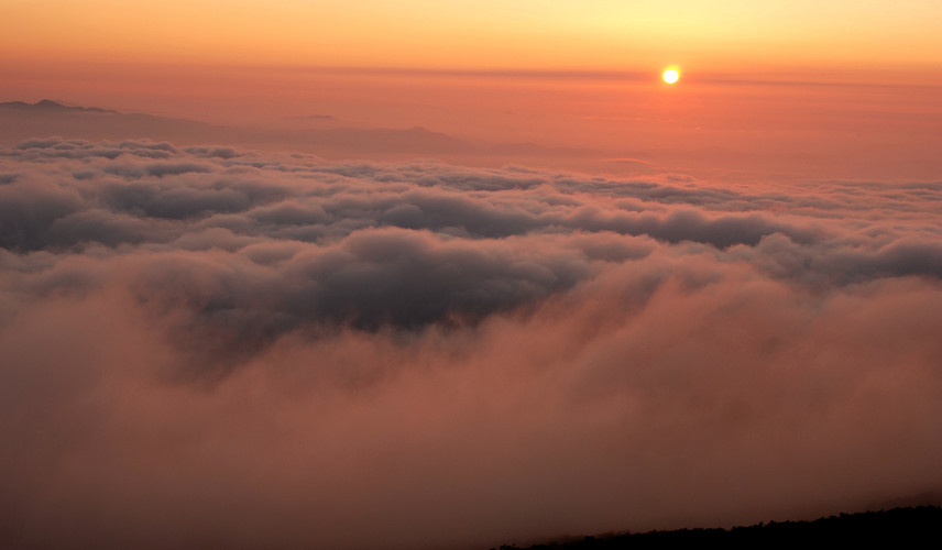 The cloud sea from the peak