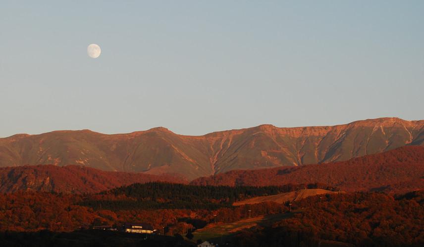 Autumn night in Mount Gassan