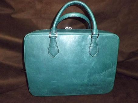 Yさんのビジネスバッグ