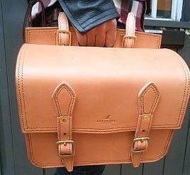 Nさんのサドルバッグ