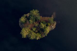 BLACK VALLEY ISLAND