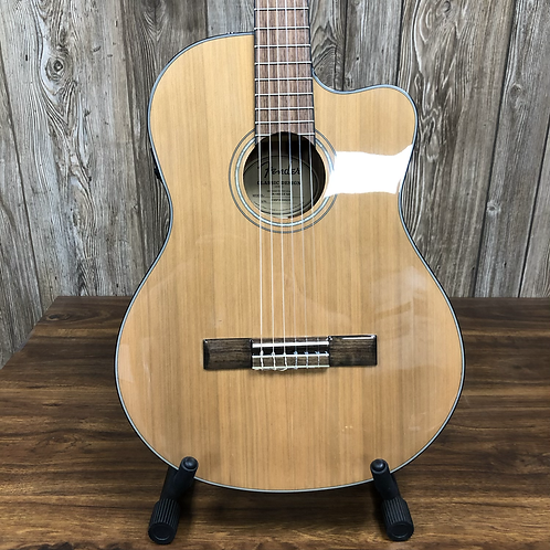 Fender CN140SCE Nylon Guitar w/ case