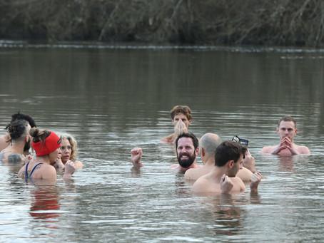 Les «Givrés» se jettent dans l'eau glaciale de la Charente