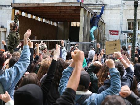 200 lycéens bloquent le lycée Guez de Balzac