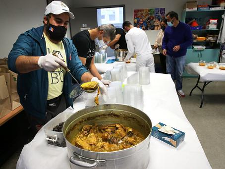 Les quartiers en cuisine pour offrir des repas aux personnes dans le besoin