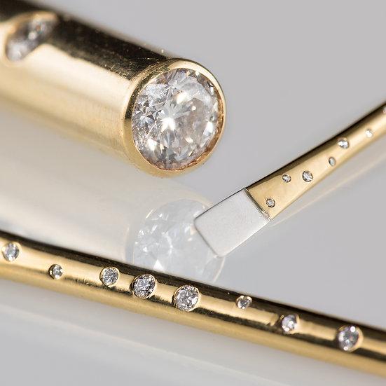 Diamond, 18k gold and platinum dab tool