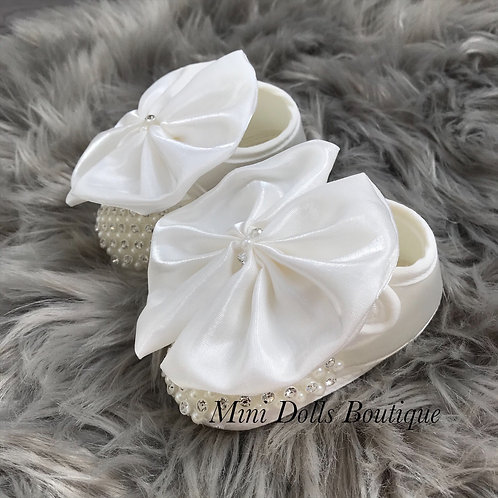 Ivory Satin Booties 3-6m