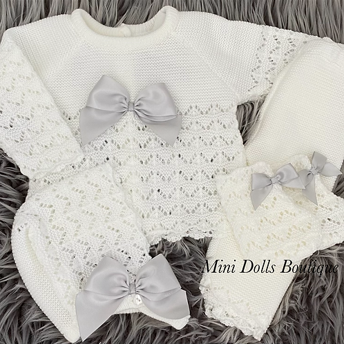 White & Silver Knitted 4 Piece