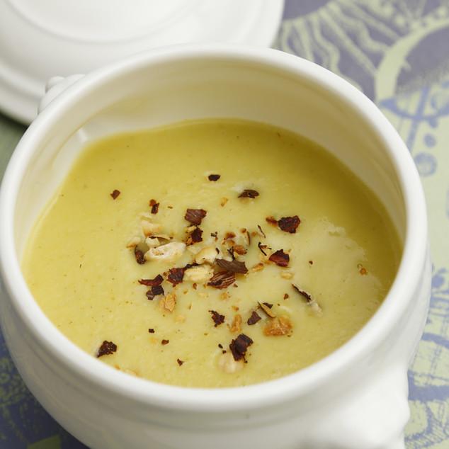 Suppen, Salate & Vorspeisen