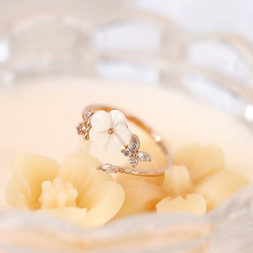 Creamy Sakura and Butterfly Ring - MOOII