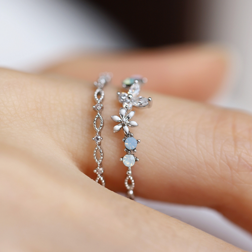 Double Band Crystal Floral Ring - MOOII