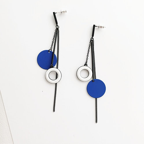 Blue and White Disc Asymmetric Earring - MOOII