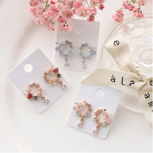 MOOII Crystal Heart Wreath Earring