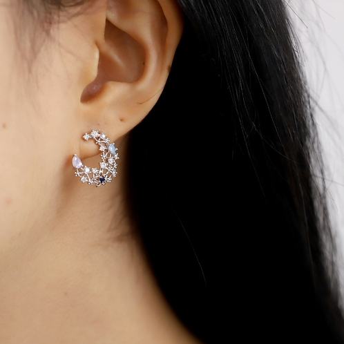 Sparkling Crescent Moon Crystal Earrings - MOOII