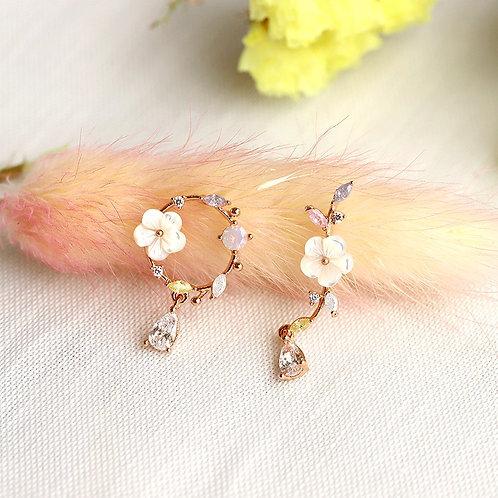 Dainty Sakura Branch and Wreath Earring - MOOII