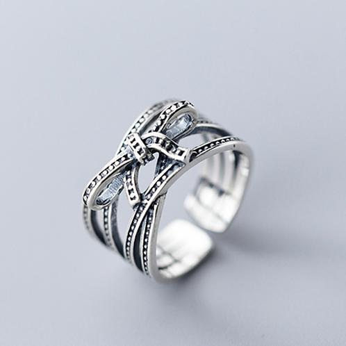 Bold Bow Ring - MOOII