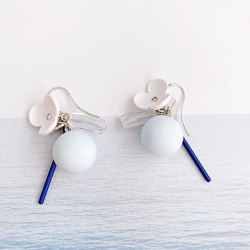 Cream Petal with Light Blue Drop Earring - MOOII