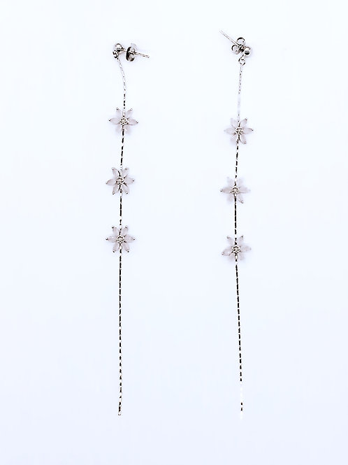 MOOII Trio Flowers Dangle Earring