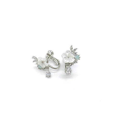 Mooii Floral Dainty Clip On Earrings