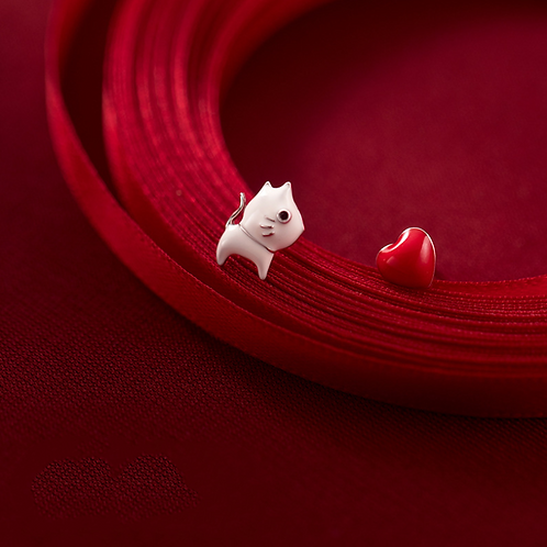 Catching Your Heart Cat Ear Studs - MOOII