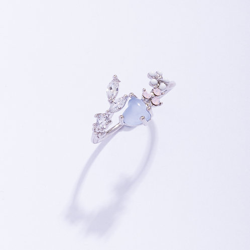 Heart Crystal and Leaf Branch Floral Ring - MOOII