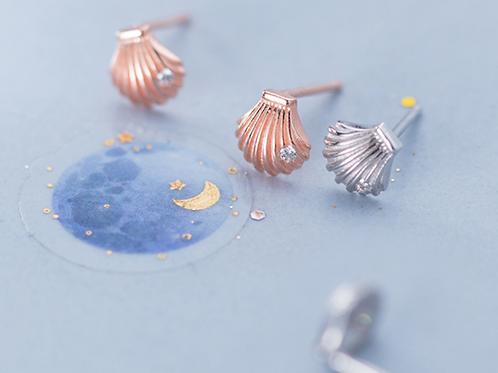 Tiny Shell Ear Studs - Mooii
