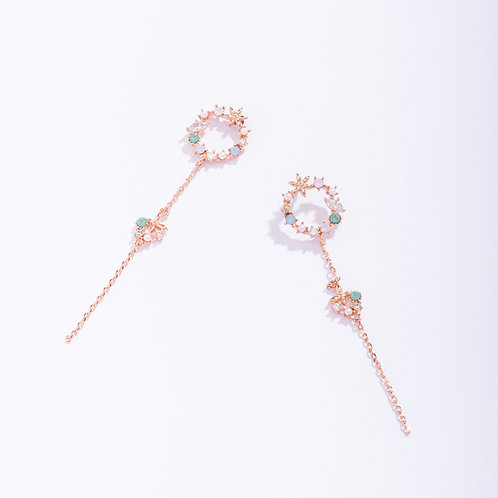 Dainty Garland Lily Drop Earring - MOOII