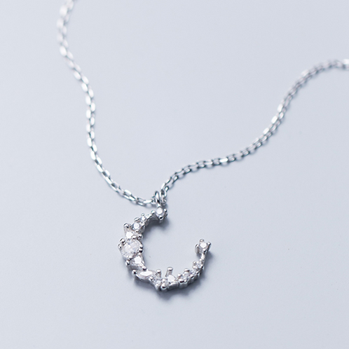 Sparkle Moon Necklace - MOOII