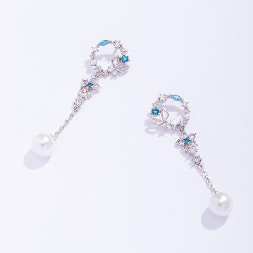 Crystal Wreath Earrings with Pearl Drop - MOOII