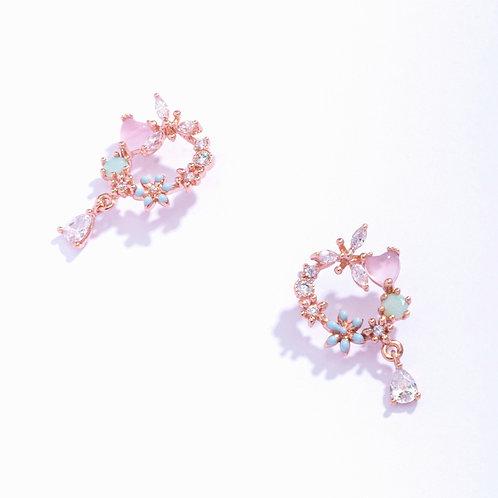 Hearty Wreath Water Drop Earrings - MOOII
