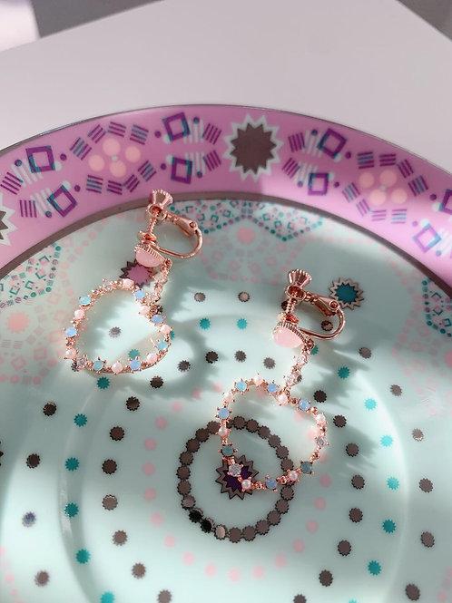 Mooii Heart Wreath Dangle Clip On Earrings