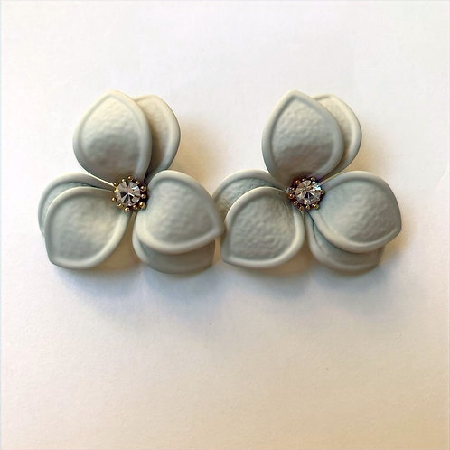 MOOII Clover Ear Studs with Diamond Flower Core