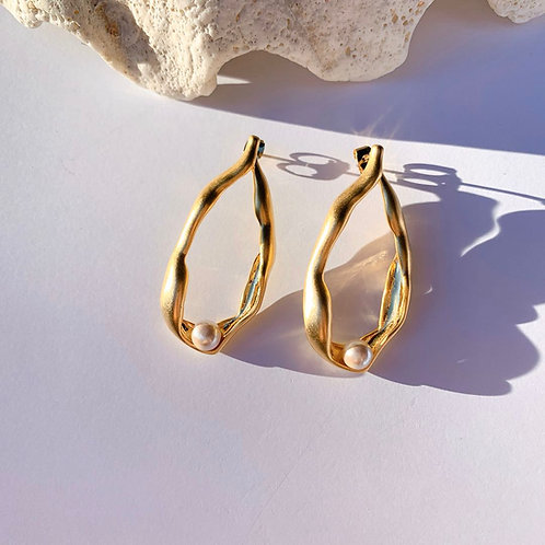 Golden Leaf and Pearl Earrings