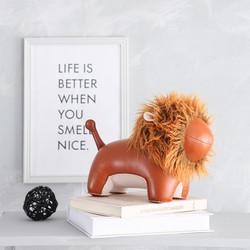 Lion bookend 2