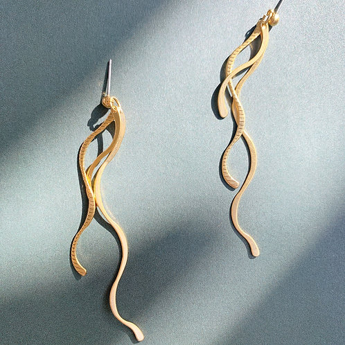 Golden Triple Cursive Curve Dangle Earrings