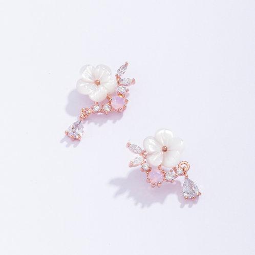 Geranium Bar Earring - MOOII