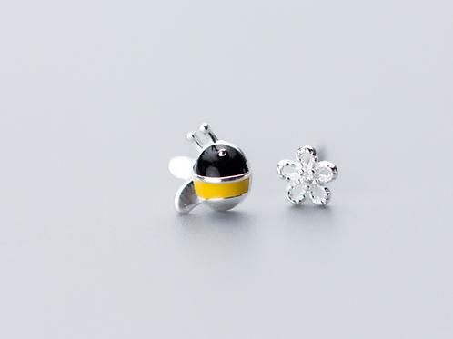Bee-N-Flower Ear Studs - MOOII