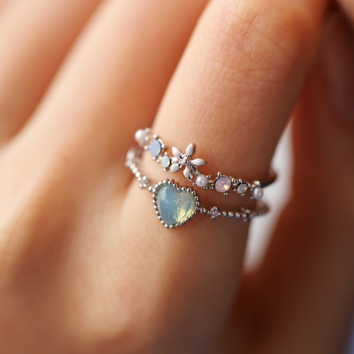 Double Band Heart-shaped Crystal and Ceramic Flower Ring - MOOII