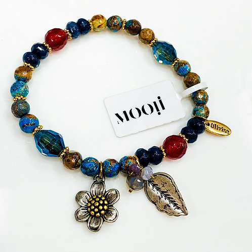 MOOII Handcrafted Bracelet - Crystal Beads with silver Flowers and leaves