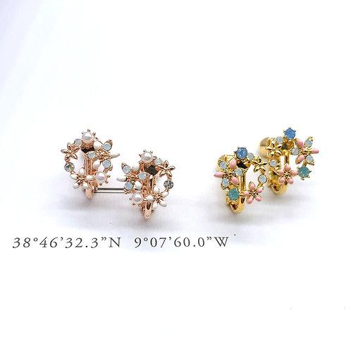 Mooii Floral Wreath Dainty Clip On Earrings
