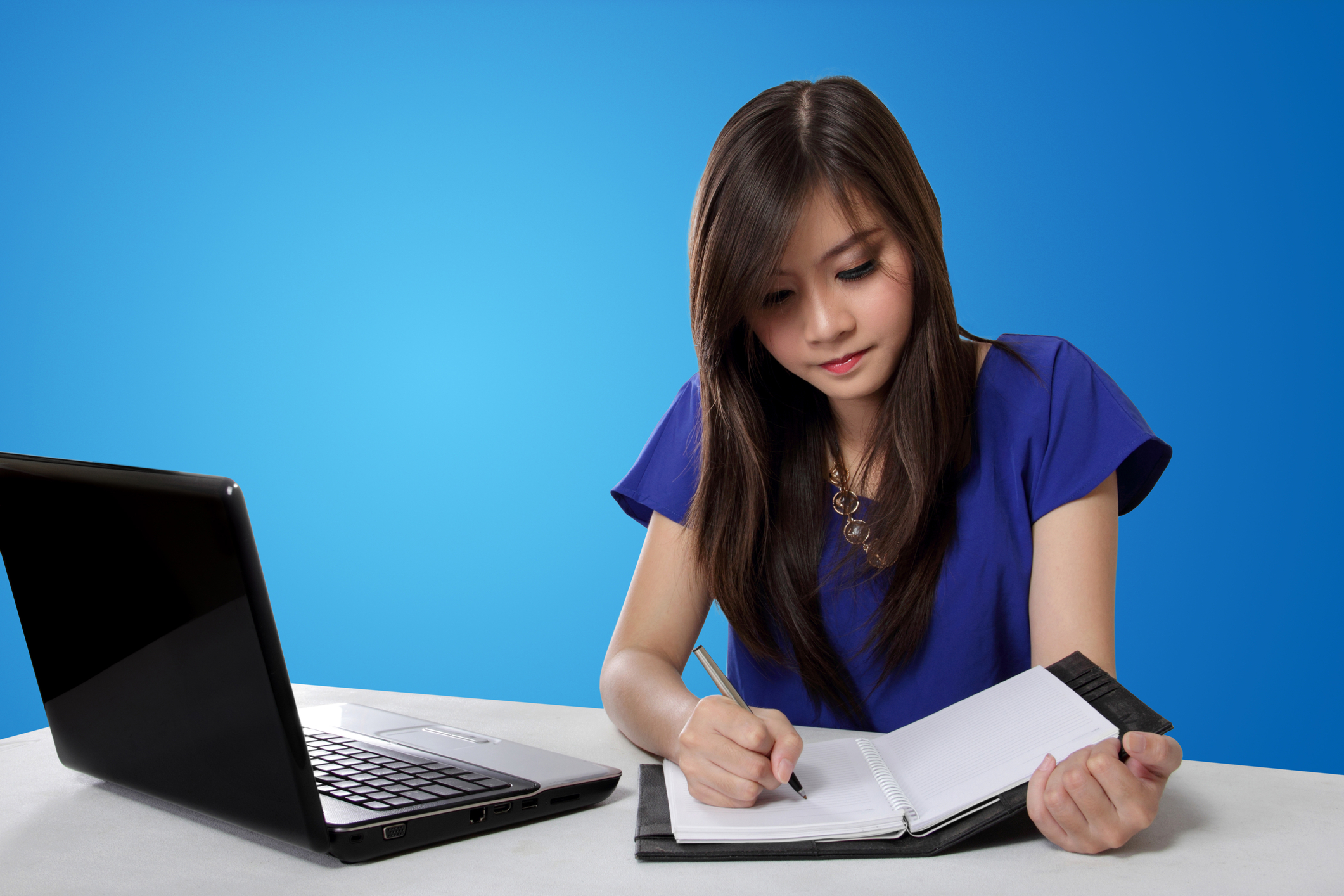 Asian-Girl-Studying