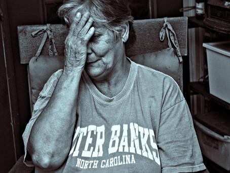 Un retrato de olvido: violencia contra adultos mayores.