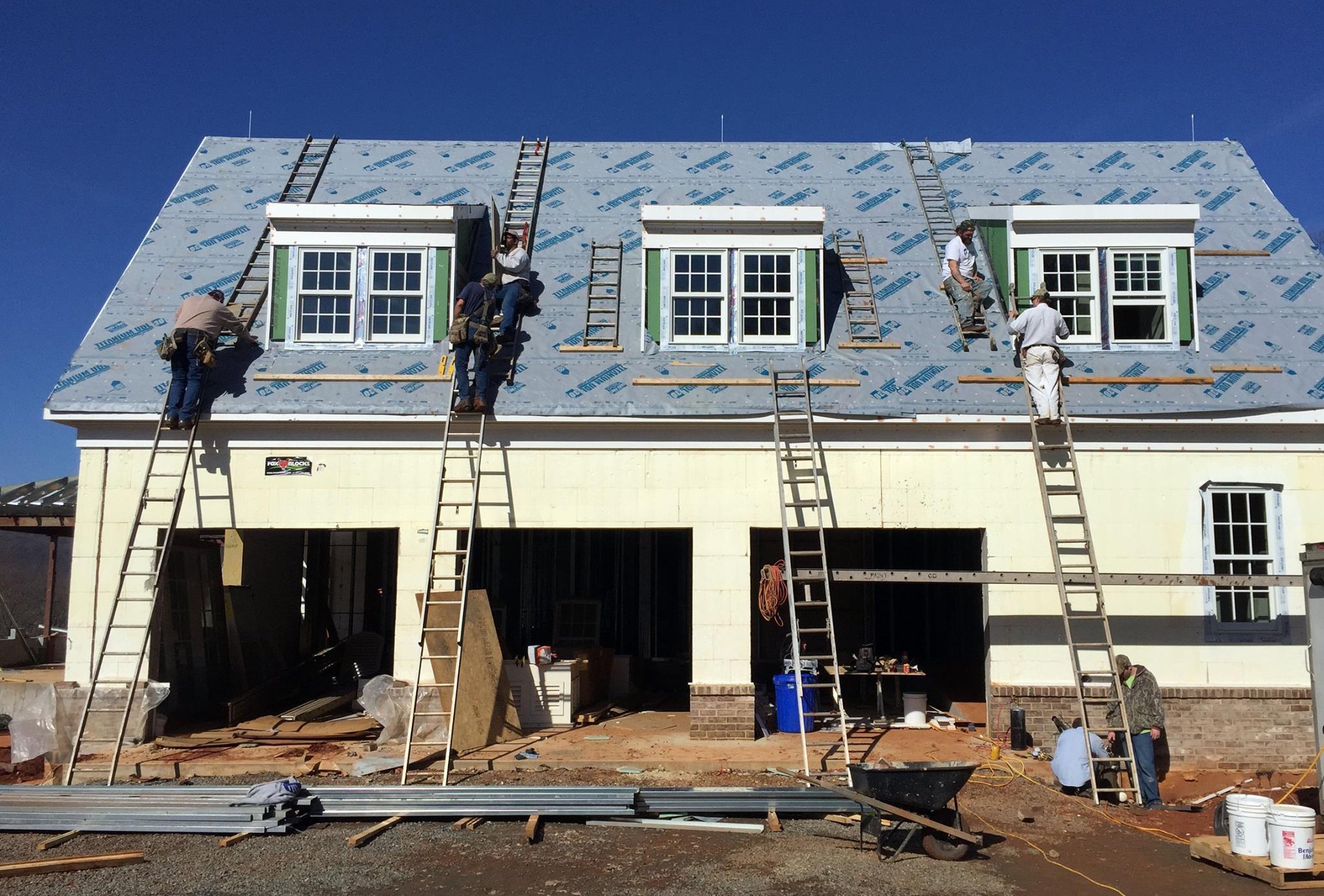 Roofing 2.jpg