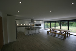 Autumnwood Kitchens - Handless in white gloss - Holmer Green 4