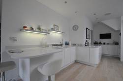 Autumnwood Kitchens - Handless in Gloss White - Marlow 2