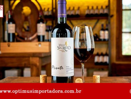 Saiba o que realmente muda quando o vinho está na temperatura certa!